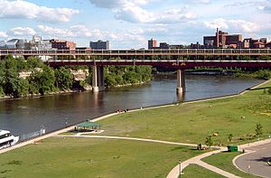 300px-Washington_Avenue_Bridge_Minneapolis