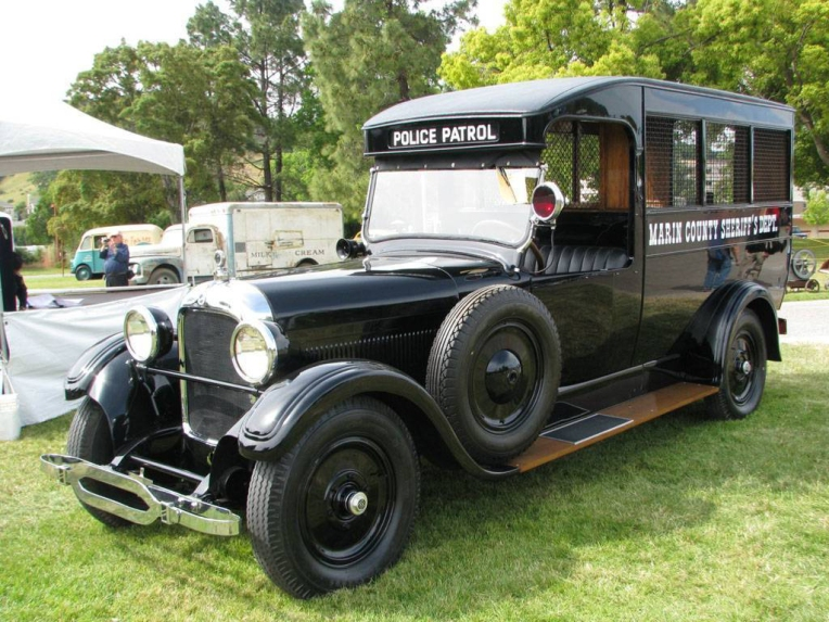 1925 Studebaker Patrol (Paddy) Wagon. Source: Wikipedia