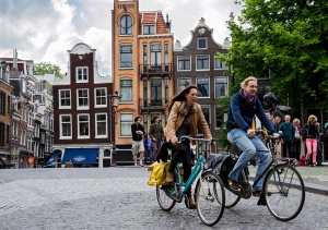 When it comes to cycle-friendly cities, Sydney could learn from the Dutch. Photo: Alfredo Borba/Wikimedia Commons